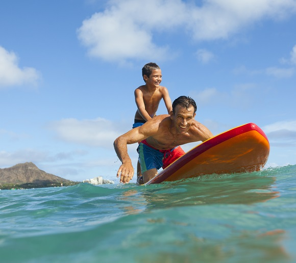 Family-friendly Hawaii vacations with Pleasant Holidays + Discount