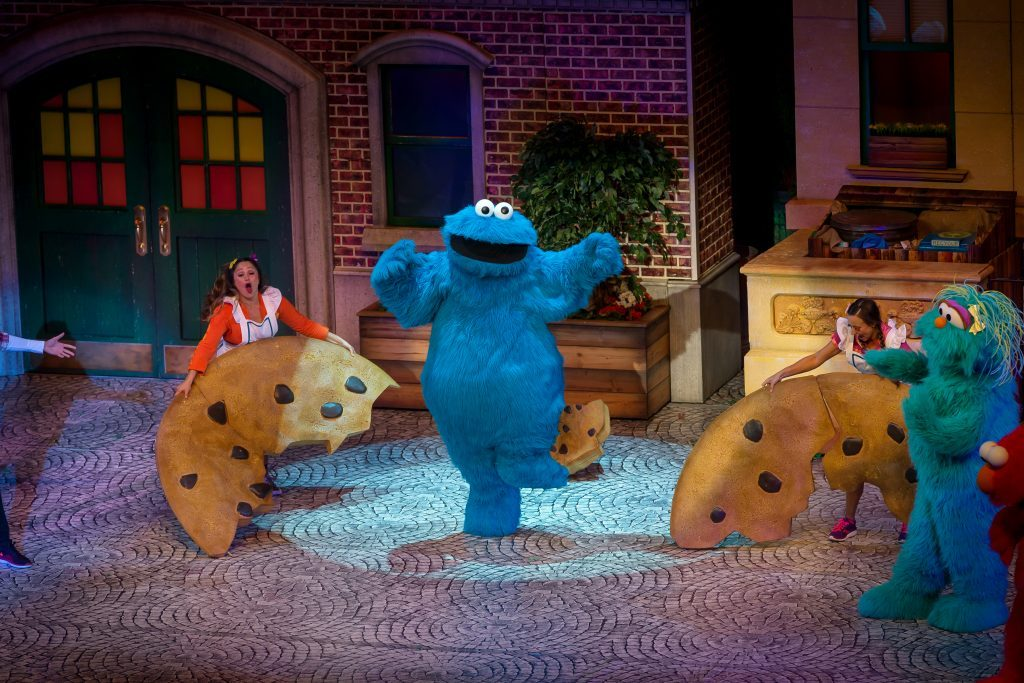 Sesame-Street-Make-Your-Magic-cookie